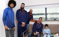 El Valencia Basket Club, volcado con los niños ingresados
