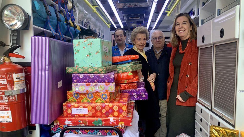 El Summa 112 entrega juguetes a niños tutelados