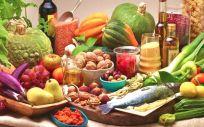 La dieta mediterránea es uno de los factores ambientales que está mostrándose como más relevante en las denominadas interacciones gen-ambiente (Foto. Freepik)
