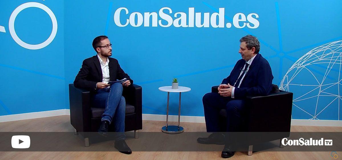 El profesor de la Facultad de Medicina de la Universidad Complutense de Madrid (UCM), Antonio López Farré, durante la entrevista (Foto: ConSalud.es)