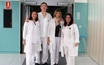 Los profesionales del Hospital General Mancha Centro de Alcázar de San Juan que se encargarán de gestionar y trabajar en la nueva consulta (Foto: Gobierno de Castilla-La Mancha)