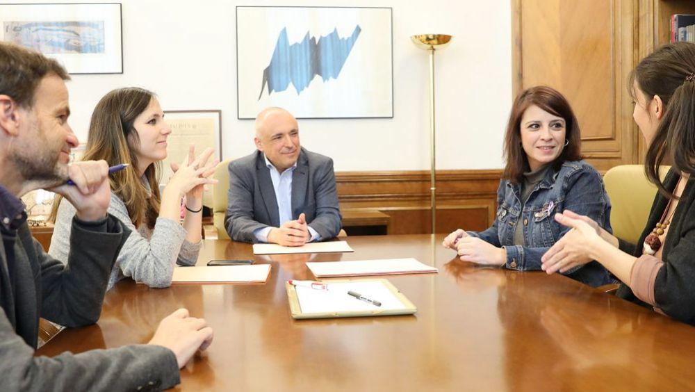 Responsables de PSOE y Unidas Podemos durante la firma del acuerdo de seguimiento del Gobierno de coalición (Foto: PSOE)