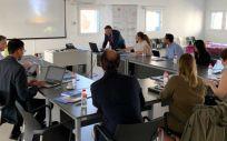 Reunión de trabajo de los profesionales que participan en el desarrollo de este proyecto (Foto. Gobierno de Cantabria)