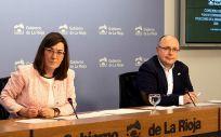 La consejera de Salud de La Rioja, Sara Alba, y el director del Área de Salud de la comunidad autónoma, Alberto Lafuente, han presentado el Plan de Contingencia ante Situaciones de la Demanda Asistencial 2020 (Foto. Gobierno de La Rioja)