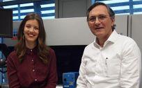 La investigadora Alba Fernández Sanlés y el doctor Roberto Elosua (Foto. Parc de Salut)