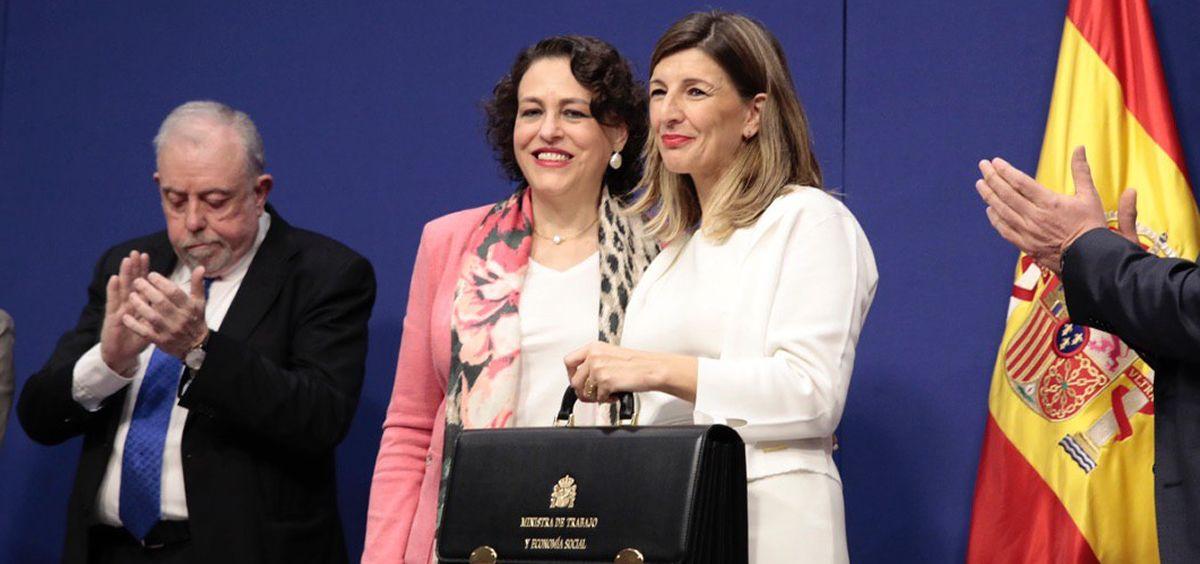 Yolanda Díaz, ministra de Trabajo y Economía Social, recibe la cartera de la exministra Magdalena Valerio (Foto: @Yolanda Diaz)