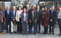 Representantes del Ministerio de Sanidad de Gambia junto a directivos del Sescam y la Consejería de Sanidad. (Foto. Gobierno de Castilla La Mancha)