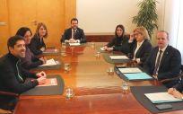 Reunión de los equipos negociadores de la Generalitat de Cataluña y En Comú Podem (Foto: @EnComu Podem)