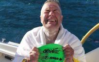 El nadador Jorge Crivillés, con los pacientes oncológicos