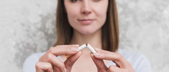 El consumo diario de tabaco en los jóvenes asturianos se mantiene en mínimos históricos (Foto. Freepik)