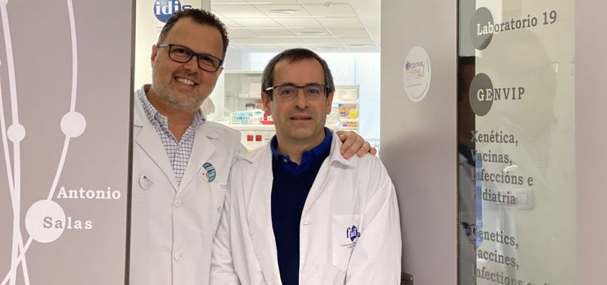 Federico Martinón Torres, jefe del servicio de Pediatría del área sanitaria de Santiago y Barbanza, y Antonio Salas Ellacuriaga, genetista y catedrático de la USC. (Foto. FIDIS)