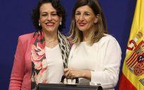 La exministra de Trabajo, Magdalena Valerio y su predecesora, Yolanda Díaz. (Foto. Min. de Trabajo)