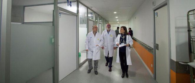 La consejera de sanidad acompañada por Alberto Lafuente y Francisco Antón en su visita (Foto. Gobierno de La Rioja)