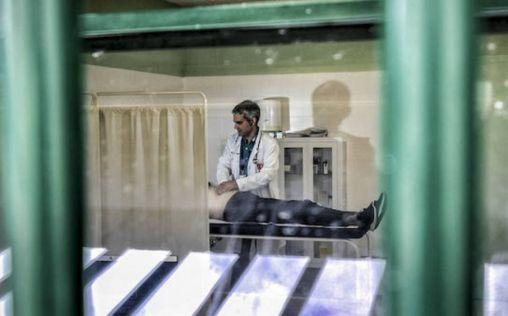 Enfermería unida ante la incertidumbre de las enfermeras de prisiones