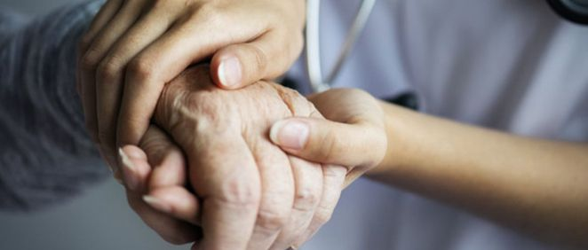 Profesional y paciente (Foto. Freepik)