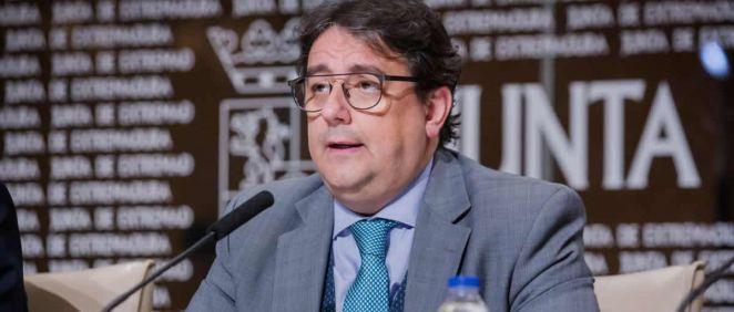 El vicepresidente segundo y consejero de Sanidad y Políticas Sociales, José María Vergeles.(Foto. Junta de Extremadura)