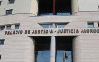 La sentencia de la Sala de lo Social del Tribunal Superior cuenta con un voto particular discrepante emitido por uno de los tres magistrados (Foto. TSJN)