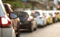 Existe una conexión adversa entre los contaminantes presentes en el aire, el 50% proceden de las emisiones del diesel, y el estado de la salud cardiovascular (Foto. Freepik)