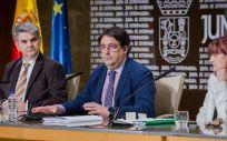 José María Vergeles, durante la presentación del primer informe sobre los datos de cáncer en Extremadura (Foto. Junta de Extremadura)