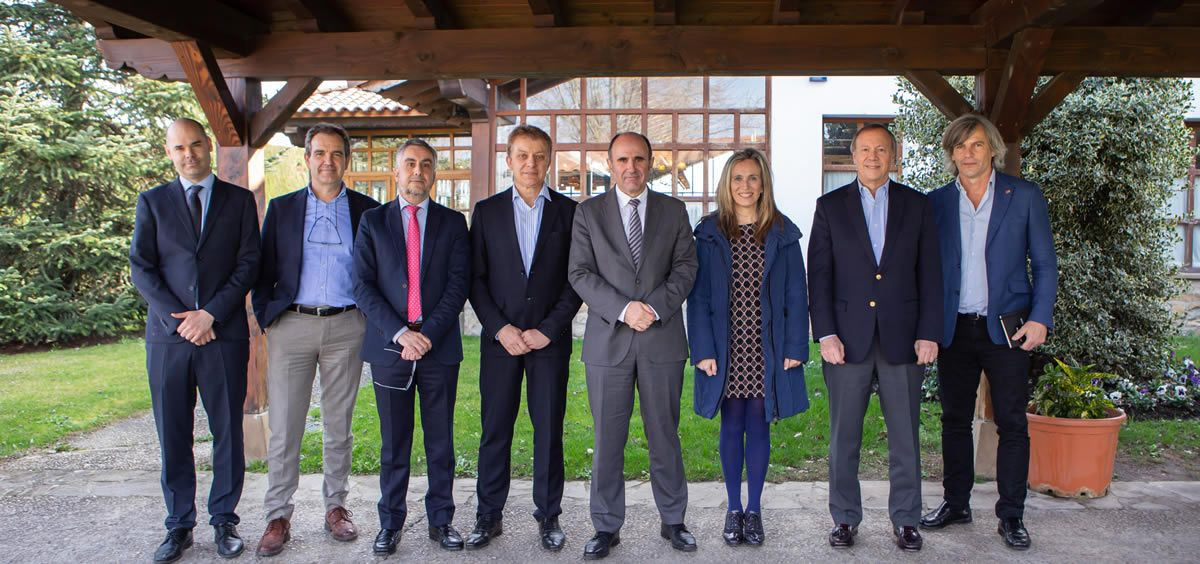 Representantes de MIT, del Gobierno de Navarra y otras entidades de la Comunidad Foral durante la visita (Foto. Gobierno de Navarra)