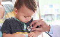 Paciente en consulta de pediatría (Foto. Freepik)
