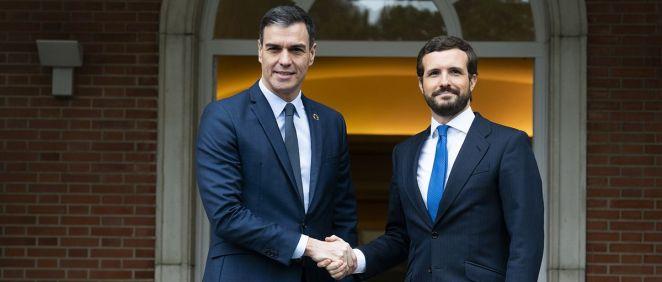 Pedro Sánchez y Pablo Casado antes de su reunión en el Palacio de La Moncloa (Foto: Flickr PP)