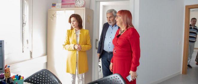 Teresa Cruz Oval junto con otras personalidades en la presentación de la nueva Unidad de Salud Mental (Foto. Gobierno de Canarias)