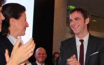 Olivier Véran, nuevo ministro de Salud de Francia, junto a Agnès Buzyn (Foto: @olivierveran)