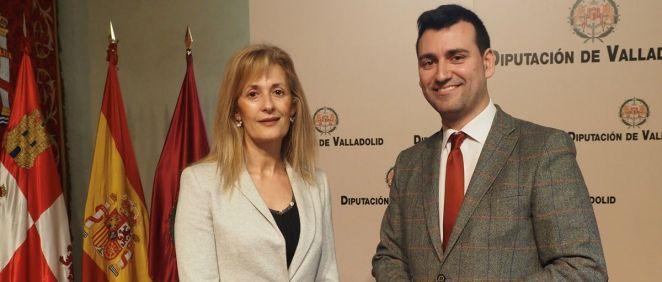 La presidenta del Colegio de Enfermería de Valladolid, Silvia Sáez Belloso, y el diputado de Servicios Sociales e Igualdad de Oportunidades, David Esteban Rodríguez (Foto. ConSalud)