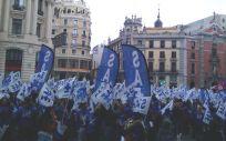 Técnicos de Cuidados de Enfermería durante la manifestación por las calles de Madrid. (Foto. @jbelmarsanchez)