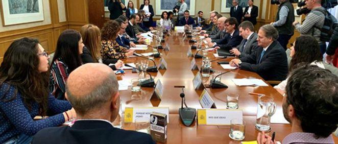 El ministro ha querido mantener esta primera reunión con asociaciones relacionadas con el tabaquismo para trasladar su reconocimiento y agradecimiento por el trabajo realizado (Foto. Ministerio de Sanidad)