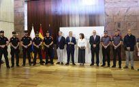 El presidente de Canarias, Ángel Víctor Torres, y la consejera de Sanidad, Teresa Cruz, han mantenido una reunión con los profesionales de la Dirección General de Seguridad y Emergencias (Foto. Gobierno de Canarias)