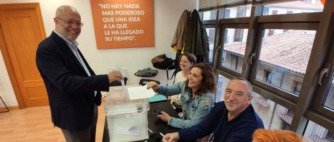 Francisco Igea, vota a los compromisarios de Ciudadanos (Foto: @CsEresTu)