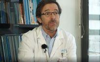 José Ramón Arribas, jefe de sección de Medicina Interna Enfermedades Infecciosas del Hospital La Paz Carlos III (Foto. Captura del vídeo de la Comunidad de Madrid)