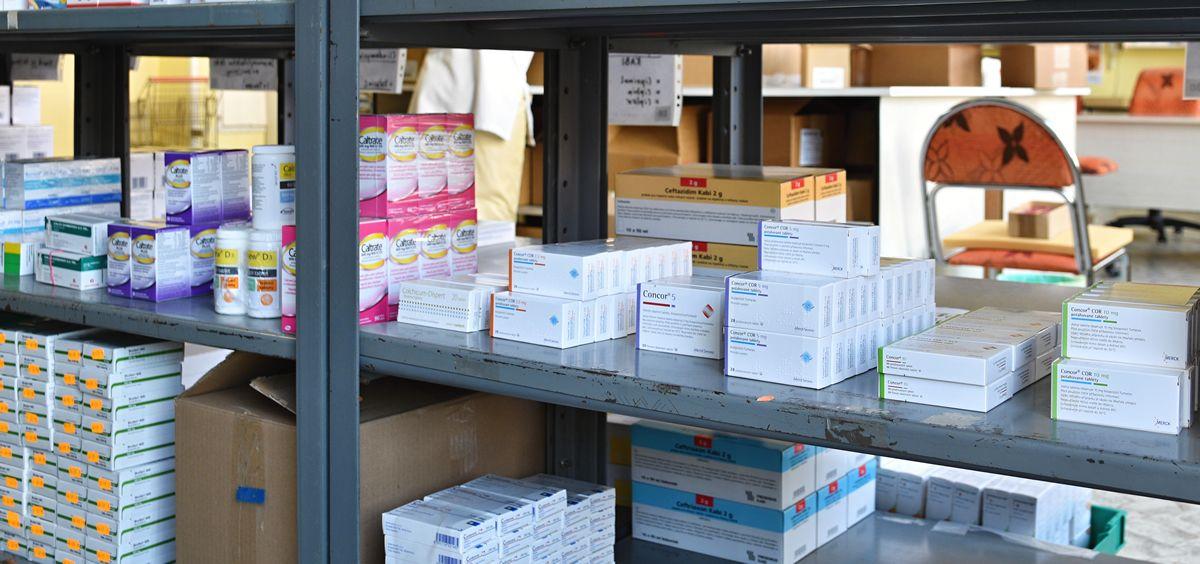 Estante de medicamentos (Foto: Freepik)