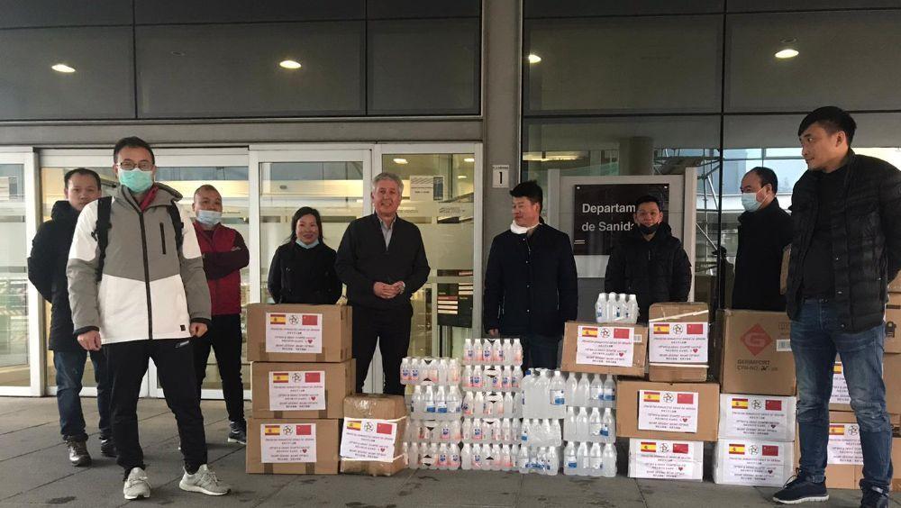 La comunidad china de Aragón dona material sanitario