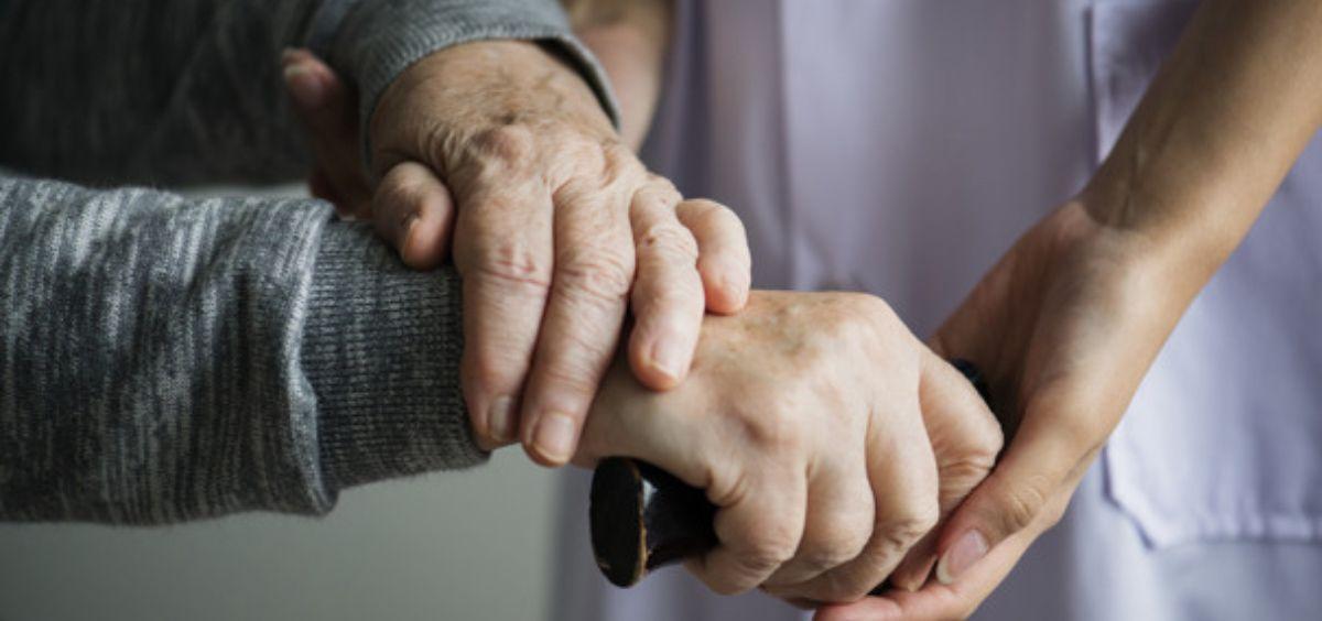 Cuidar de nuestros ancianos, una prioridad durante la pandemia