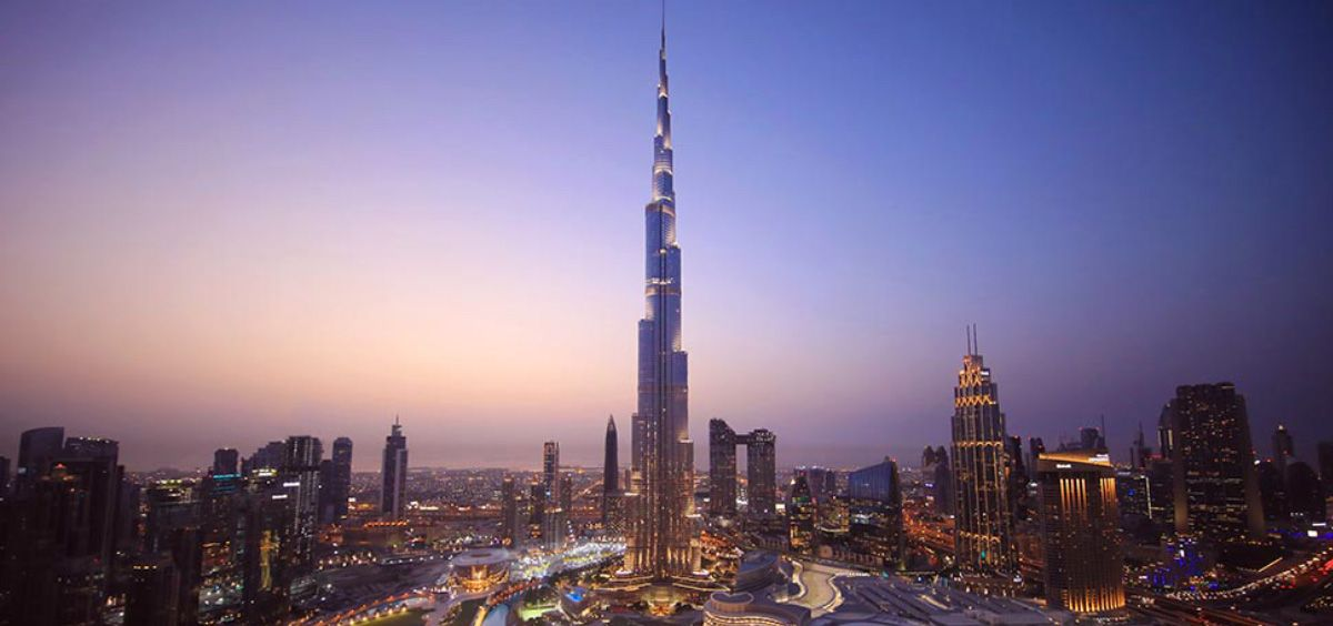 El edificio más alto del mundo, el Burj Khalifa de Dubái, ha rendido un emotivo homenaje a los profesionales sanitarios españoles  (Foto. Wikipedia)