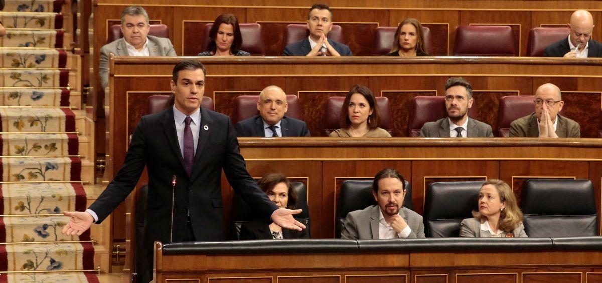 El presidente del Gobierno, Pedro Sánchez, junto al resto del Ejecutivo de coalición interviniendo en el Congreso de los Diputados. (Foto. Pool Moncloa /JM Cuadrado)