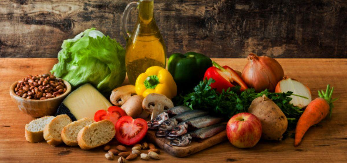 Estos días, más que nunca, es fundamental cuidar nuestra alimentación ya que los malos hábitos tienen consecuencias para la salud (Foto. Freepik)