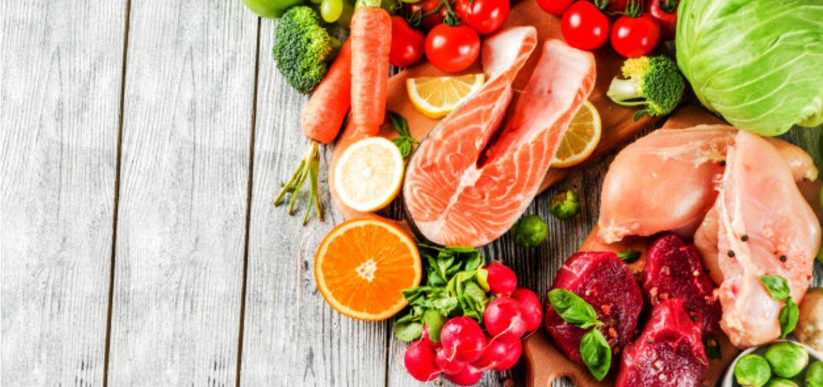 No debemos olvidar que una buena alimentación ayuda al normal funcionamiento del sistema inmune (Foto. Freepik)