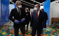 El presidente de Aragón, Javier Lambán, y el alcalde de Zaragoza, Jorge Azcón, visitan el Auditorio de Zaragoza convertido en hospital de campaña (Foto. Gobierno de Aragón)
