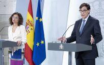 La ministra de Hacienda, María Jesús Montero, y el ministro de Sanidad, Salvador Illa (Foto: La Moncloa)