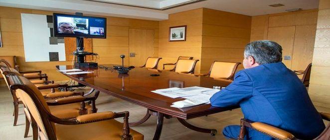 Revilla en la reunión telemática de la Mesa del Diálogo Social (Foto. Gobierno de Cantabria)