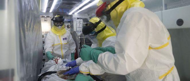 Paciente coronavirus en ambulancia (Foto. Salud Madrid)