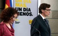 La ministra de Hacienda y portavoz del Gobierno, María Jesús Montero, y el ministro de Sanidad, Salv