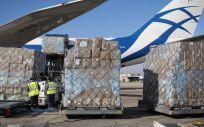 Carga de 113 toneladas de material sanitario descargas en el Aeropuerto Madrid Barajas. (Foto. Comunidad de Madrid)