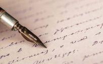 Las cartas son un recurso adecuado para despedirse de los fallecidos y poder iniciar el duelo (Foto. Freepik)
