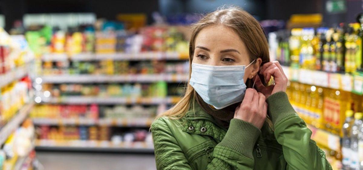 Mujer supermercado coronavirus (Foto. Freepik)
