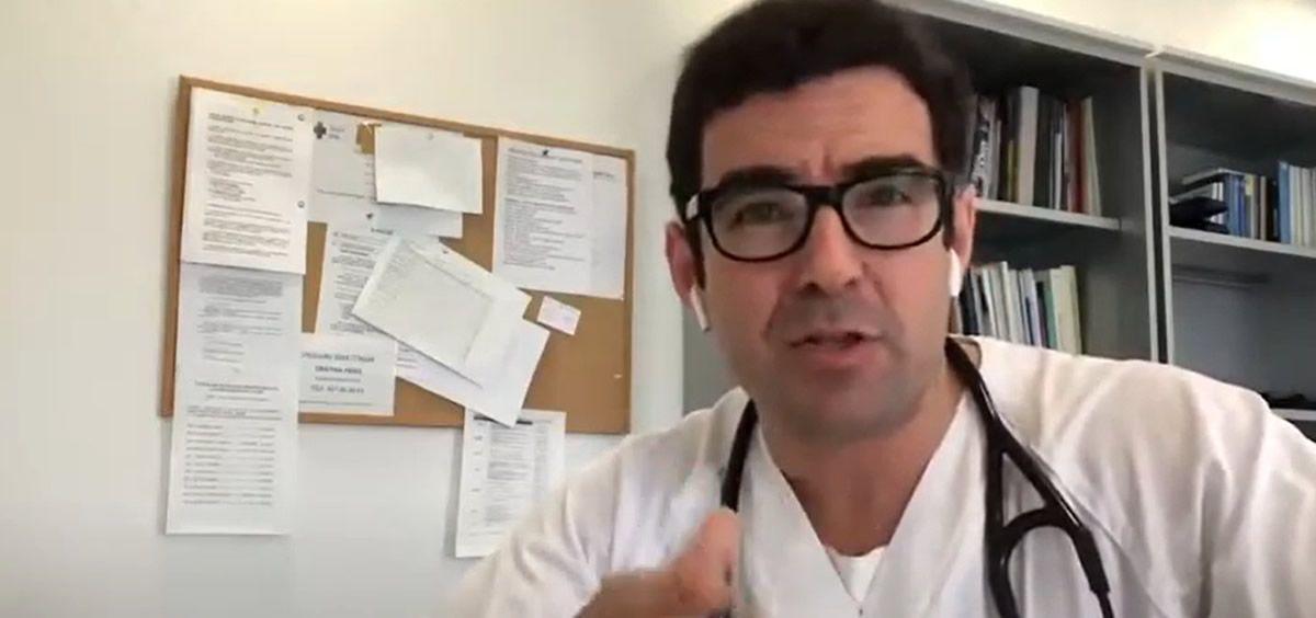 Iván Moreno, el médico que se ha hecho viral explicando la pandemia del coronavirus
